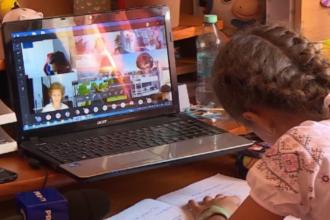 Ministerul Educației: Profesorii vor fi verificați dacă țin cu adevărat cursuri în online
