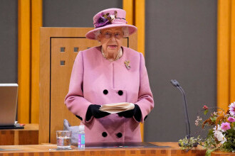Regina Elisabeta a petrecut la spital noaptea de miercuri spre joi. Mesajul transmis de Palatul Buckingham