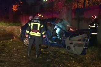 Un șofer de 19 ani a murit, iar prietenul său este în stare gravă, după un accident îngrozitor, în Dâmbovița
