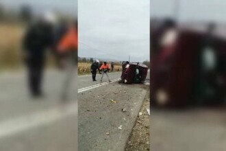 Un șofer de 73 de ani s-a răsturnat cu mașina pe un drum național din Sălaj