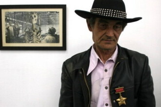 """A murit artistul Ion Bârlădeanu, cunoscut pentru colajele pop art. """"Credeam că voi fi nemuritor"""""""