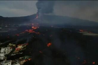 """Sute de oameni au fost evacuați pe insula """"La Palma"""". Un alt șuvoi de lavă s-a revărsat din vulcanul """"Cumbre Vieja"""""""
