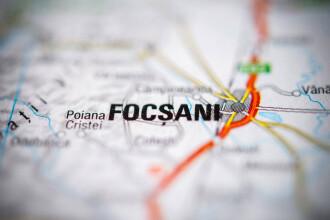 Oraşul Focşani a intrat în carantină. Persoanele nevaccinate trebuie să aibă declarație pe propria răspundere