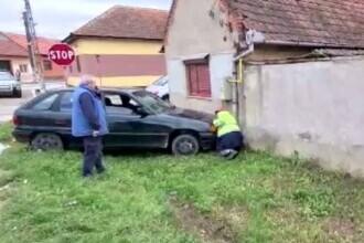 O șoferiță fără permis a fost la un pas să provoace o explozie, în Caransebeș. S-a oprit într-o țeavă de gaze
