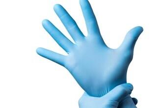 (P) Protecția personalului medical se poate face cu ajutorul celor de la Sanito.ro!