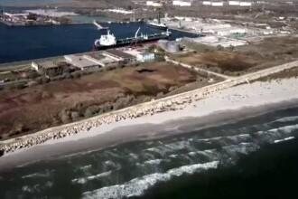 Poluare gravă cu păcură în Portul Midia Năvodari. O tonă de combustibil a ajuns în apă