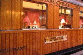 Legendarul Orient Express a oprit in Gara Regala din Sinaia