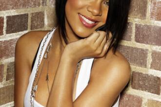 Rihanna, cuprinsa si ea de