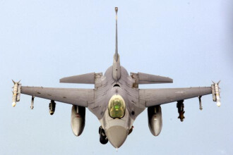Achizitionarea avioanelor F16 second hand fara licitatie, motiv de disputa