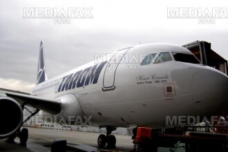 O aeronava Tarom, lovita de o masina pe aeroportul din Barcelona