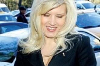 Sarmale cu gust democrat-liberal, impartite gratis de Elena Udrea