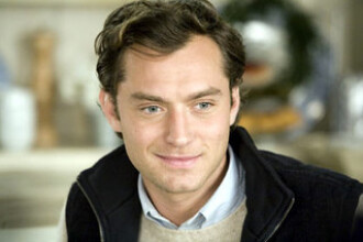 Jude Law a dat in judecata The Sun si News of The World. I-ar fi ascultat convorbirile telefonice