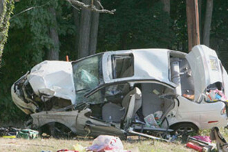 Accident grav pe DN7, in apropiere de Nadlac.Un barbat a murit si alte cinci persoane au fost ranite