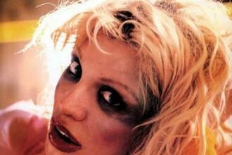 Courtney Love a distrus Nirvana!