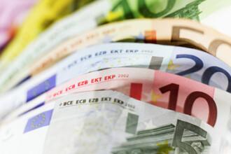 Cursul euro da semne de stabilizare putin sub nivelul de 4,24 lei