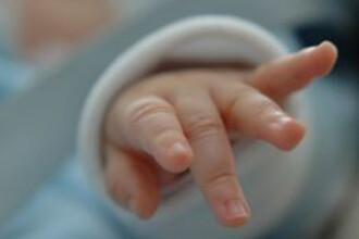 O mama din Buzau si-a abandonat bebelusul, de teama ca nu-l va putea creste