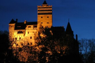 Castelul Bran: la dispozitia vizitatorilor, dar cu incaperile goale!