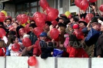 Noua distractie la americani: festivalul baloanelor!