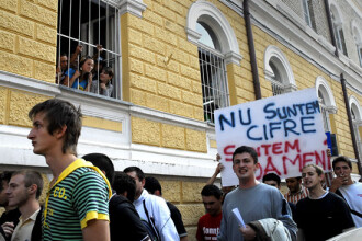 Studentii au iesit in strada. Vor marirea burselor