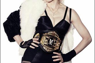 Madonna a cazut pe scena
