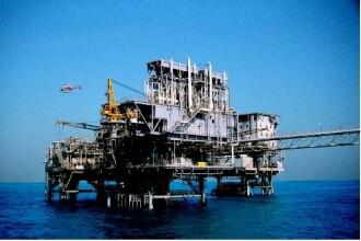 Explozie in Golful Mexicului: o platforma petroliera a sarit in aer