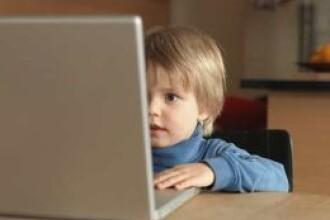 Ungaria: o fetita bolnava de cancer isi continua studiile cu o camera web