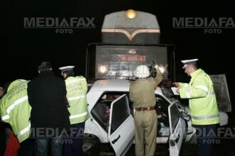 Timisoara: masina condusa de o tanara, izbita in plin de tren