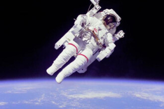 NASA isi trezeste astronautii cu muzica. Vezi ce se asculta in spatiu
