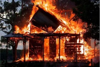 Incendiu devastator la o brutarie din Bistrita-Nasaud