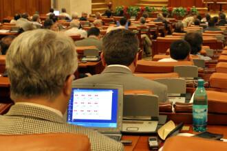 Parlamentarii au votat pe banda rulanta 150 proiecte de legi