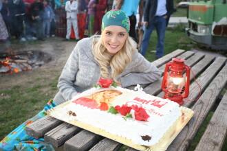 Diana Dumitrescu a facut petrecere in pijamale, de ziua ei