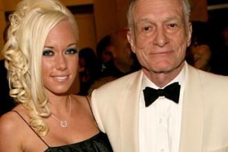Inca mai poate! Hugh Hefner face sex un minut cu fiecare iepuras Playboy!