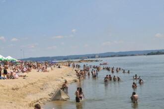 Plaja artificiala de lux la malul Dunarii, la Drobeta Turnu Severin