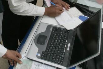 62 de laptop-uri achizitionate de Politia Romana, cu sume suspect de mari