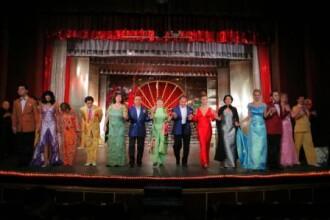 Spectacol de succes in casa noua la Teatru de revista!