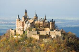 Topul celor mai spectaculoase castele. Vezi pe ce loc e Pelesul