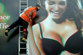 Brazilianca Sabraine cu sani 3D, in centrul Londrei. Englezii, in delir