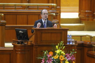 Boc: Guvernul are nevoie de 3-5 miliarde de euro pentru pensii