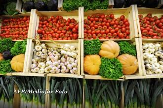 Avertismentul autoritatilor. Cum am ajuns sa mancam pesticide sub forma de fructe si legume