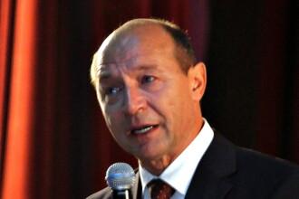 Basescu a plans. Din nou. Ce l-a emotionat pe presedinte si ce planuri are pentru minele inchise
