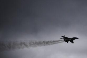Libia: Un avion de vanatoare MiG 21 s-a prabusit peste un bloc din Tobruk. VIDEO