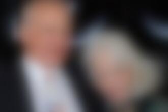Vedeta care si-a parasit sotia mutilata de operatii estetice pentru o femeie cu 30 de ani mai tanara