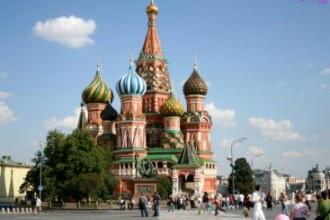 Locuitorii din Moscova, sfatuiti sa se baricadeze in case. Rusii se plang de un