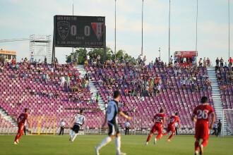 """Fotbal second hand: ACS Poli – UTA, un banal meci de """"B"""", atât pe teren, cât şi în tribune"""