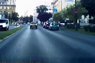 Taximetrist batut de un alt sofer dupa ce a lovit o femeie pe trecerea de pietoni. Vezi VIDEO