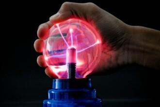 Nikola Tesla, inventatorul excentric care spunea ca poate desparti Pamantul in doua