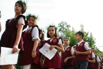 Victor Ponta, la deschiderea anului scolar: Din 2013, clasa pregatitoare se intoarce la gradinita