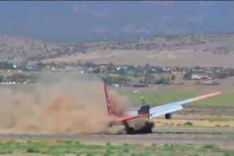 VIDEO. Un pilot reuseste sa aduca in siguranta un avion la sol, in ciuda unei defectiuni majore