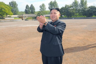 Kim Jong Un a inaugurat, cu o atitudine de