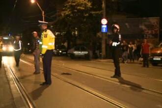 Sofer ranit in Capitala, dupa ce o sina de tramvai a strapuns podeaua masinii